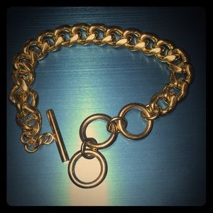 Gold Tone  UNISEX. Heavy Bracelet Toggle Closer